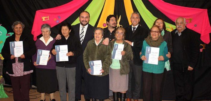 Municipalidad de Coquimbo certifica a Adultos Mayores
