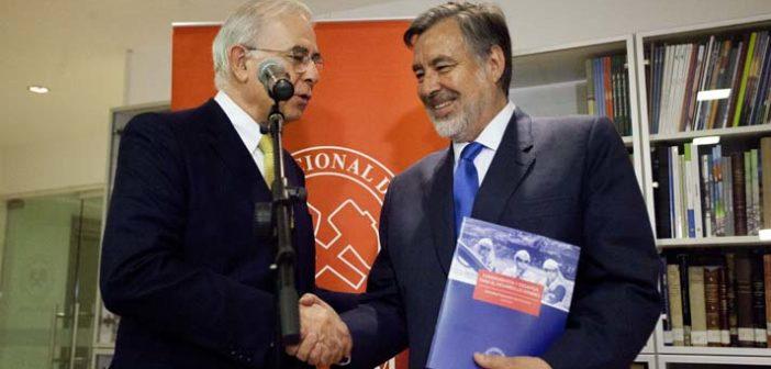 Guillier defendió el fin de la Ley Reservada del Cobre