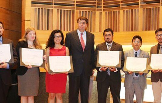 Universidad de Playa Ancha confiere título profesional a 560 egresados