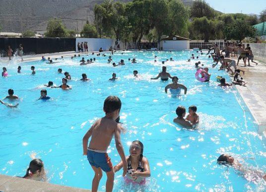 En Atacama: vecinos de Tierra de Amarilla cuentan con remozada piscina municipal