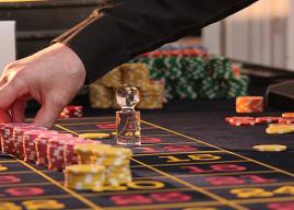 Senador Harboe pide al Gobierno postergar licitaciones para Casinos